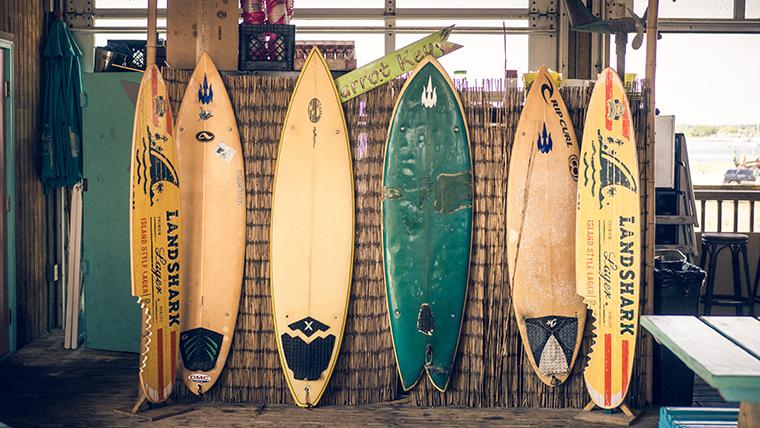 三浦翔平&三浦春馬が一緒にサーフィンした場所&謎の食べ物は何?