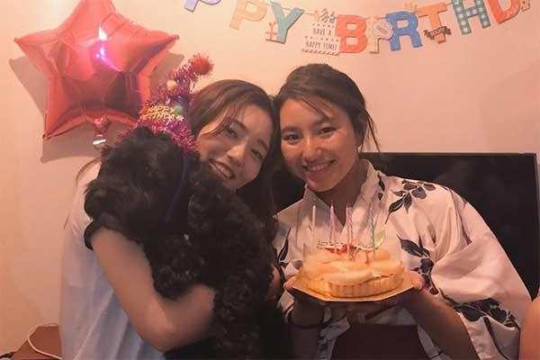 Matsuda Shino & sister's picture on Instagram