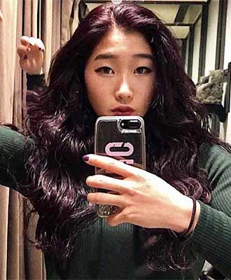 Nonaka Mihou with dark color hair