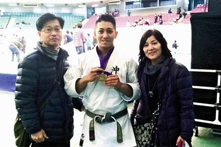 Kiyuna Ryo & parents