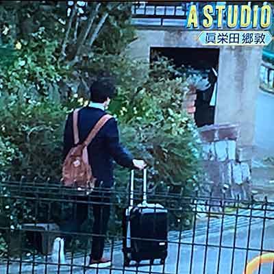 眞栄田郷敦の後ろ姿を母親が撮影