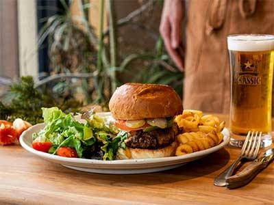 ブラックウッドグリルのハンバーガー